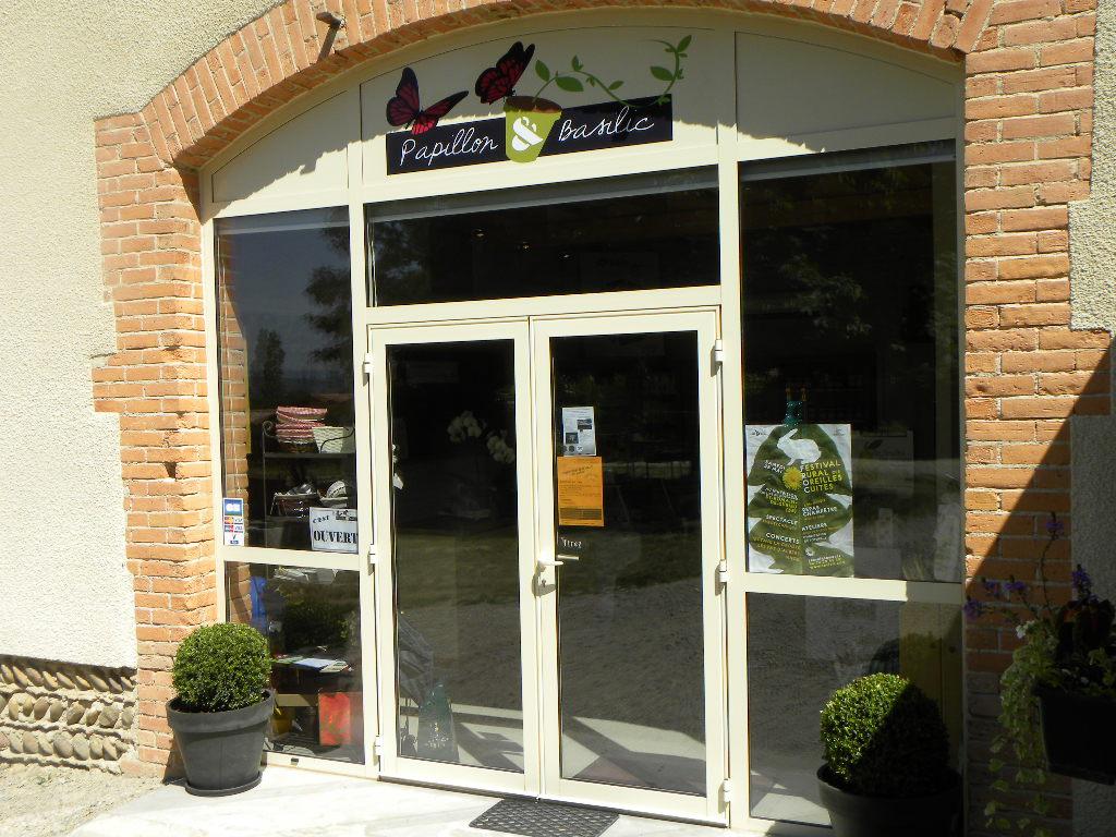 Boutique-vitrine.JPG